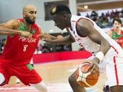 Auch NBA-Star Clint Capela vermag der Schweiz gegen Portugal nicht zum Sieg zu verhelfen (Bild: KEYSTONE/JEAN-CHRISTOPHE BOTT)