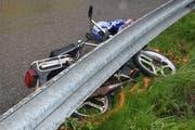Die Fahrerin dieses Mofas wurde leicht verletzt. (Bild: Kapo)