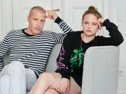 Machen ihr Kennenlernen zu einem Podcast: Die deutsche Schauspielerin Jasna Fritzi Bauer und Schriftsteller Benjamin von Stuckrad-Barre. (Bild: Keystone/DPA/ANNETTE RIEDL)