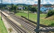 Die Genossenschaft Gemeinschaftsantenne (GGA) Flawil hat die Realisierbarkeit eines Bahnhofparkhauses – allenfalls in Kombination mit weiteren Nutzungen – abklären lassen. Details und der genaue Standort werden vorab den Anwohnern erläutert. (Bild: Andrea Häusler)