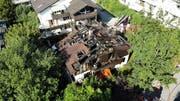 Das Wohnhaus ist ausgebrannt und nicht mehr bewohnbar. (Bild: Freiwillige Feuerwehr Zug)