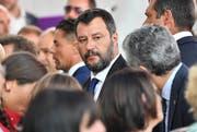 Der italienische Innenminister Matteo Salvini während der Gedenkzeremonie für die Opfer des Brückeneinsturzes von Genua. (Bild: Luca Zennaro/EPA, Genua, 14. August
