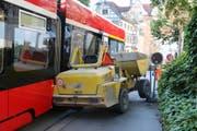 Die Unfallstelle auf dem Burggraben unmittelbar vor der Einmündung der Glockengasse. (Bilder: Stadtpolizei St.Gallen - 14. August 2019)