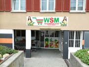 Der Eingang zum künftigen «Winkeln Supermarkt» an der Kräzernstrasse 96 im Westen der Stadt. (Bild: Marlen Hämmerli - 13. August 2019)