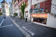 Die Dart-Lounge in der Arboner Altstadt ist am Mittwochvormittag durchsucht worden. (Bild: Reto Martin)