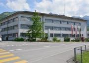 Der Firma Reinhard AG in Sachseln (Bild) und Dagmersellen, die Möbel herstellte, wird auf Ende Jahr liquidiert. (Bild: PD)