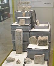 2014 zeigte die Kantonsarchäologie im Historischen und Völkerkundemuseum St.Gallen eine Auswahl an karolingischen Flechtwerksteinen aus der Kathedrale St.Gallen, die im Jahr zuvor aus Bad Zurzach zurückgeholt worden waren. (Bild: PD/Kantonsarchäologie SG)