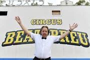 Der frischgebackene Zirkusdirektor Beat Breu, Schweizer Rad-Legende, an der Premiere seines Circus in Winterthur am 5. August. (Bild: Keystone)
