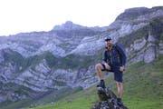 Tobias Balcar aus Appenzell möchte alle 128 Gipfel des Alpsteins besteigen. (Bild: Raphael Rohner)