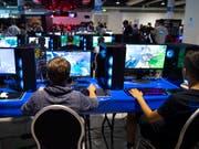 Der US-Hersteller Nvidia, der Grafikkarten vor allem für PC-Gamer herstellt, hat im zweiten Quartal weniger verkauft. (Bild: KEYSTONE/MELANIE DUCHENE)