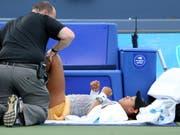 Naomi Osaka musste sich am Knie behandeln lassen, ehe sie zwei Punkte später aufgab (Bild: KEYSTONE/AP The Cincinnati Enquirer/KAREEM ELGAZZAR)
