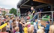 Caro Graf und die Superhasen begeistern das junge Publikum. (Bild: Christian H. Hildebrand, Rotkreuz, 17. August 2019)