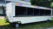 Die Solarbar der CVP Thurgau geschlossen mit Beschriftung. (Bild: PD)
