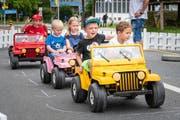 Der Autoparcours begeisterte die Kleinen am Dorffest in Rotkreuz. (Bild: Christian H. Hildebrand, Rotkreuz, 17. August 2019)
