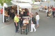 Die Solarbar während ihres ersten Einsatzes auf dem Marktplatz in Weinfelden. (Bild: PD)