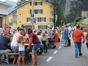 Das Sisiger Strassenfest lockte am Samstag Hunderte von Besuchern an. Bild: Bruno Arnold (Sisikon, 17. August 2019)