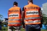 Am Esaf im Einsatz: Dialogteams der Zuger Polizei.
