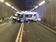 Bei einer Kollision im Gotthard-Strassentunnel sind fünf Personen verletzt worden. (Bild: Kantonspolizei Uri)