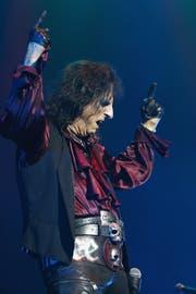 Alice Cooper spielt auf der Bühne den Bösewicht: «Ich bin bin privat wahrscheinlich das totale Gegenteil von Alice Cooper». (Bild: Getty)