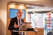 Stadtpräsident Thomas Scheitlin an der Präsentation des Smarthalle-Projekts.