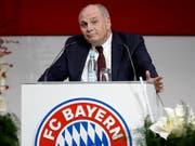 Präsident Uli Hoeness an der letztjährigen Generalversammlung des FC Bayern München (Bild: KEYSTONE/AP/MATTHIAS SCHRADER)