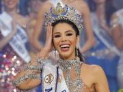 «Die Schönheit einer Frau ist nicht 90-60-90»: Die 19-jährige Marketingstudentin Thalia Olvino wurde am Donnerstag zur neuen Miss Venezuela gekrönt. (Bild: KEYSTONE/AP/ARIANA CUBILLOS)