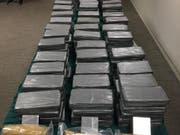 Grosser Fang in Hamburg: Die Polizei beschlagnahmte über vier Tonnen Kokain. (Bild: KEYSTONE/EUROPOL)