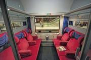 Die ausrangierten Eurofima-Züge zeugen von grosser Vergangenheit. (Bild: Ralf Roletschek, 28. April 2013)