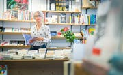 Ihrem Bücherladen in der Frauenfelder Vorstadt bleibt sie auch in Zukunft treu: Marianne Sax. (Bild: Andrea Stalder)