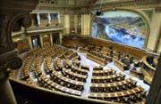 Der Nationalratssaal in Bern: Von 200 Sitzen sind 12 für den Kanton St.Gallen reserviert. (Bild: Keystone)