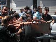 Protestdemonstration in der südosttürkischen Kurdenmetropole Diyarbakir. (Bild: KEYSTONE/EPA/STR)