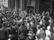 Am 13. Juli 1931 kam es in Berlin zum Bankrun. Die Sparer wollten ihr Geld retten. (Bild: Getty Images)