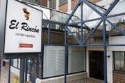 Die Jalousien sind geschlossen: Das Restaurant im ehemaligen Café Rain hat den Betrieb eingestellt. (Bild: Philipp Stutz)
