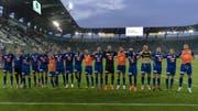 Die Luzerner feiern mit ihren Fans. (Bild: Georgios Kefalas / Keystone, St. Gallen, 20. Juli 2019)