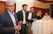 Sie diskutierten engagiert über Wirtschafts- und Umweltfragen: Oliver Schmid-Schönbein, Andreas Bisig, Marcel Dobler, Jacqueline Gasser-Beck und Manuela Ronzani. (v.l.)Bild: Christof Lampart