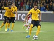 Der kurz davor eingewechselte Guillaume Hoarau erzielte das Penaltytor zum 2:2-Ausgleich (Bild: KEYSTONE/PETER KLAUNZER)