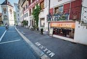 Beamte der Kantonspolizei St.Gallen haben vor einer Woche die Dart-Lounge durchsucht. (Bild: Reto Martin)