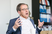 «Erschütternde Vorfälle»: Urs Hofmann, Präsident der Konferenz der Justiz- und Polizeidirektoren (KKJPD). (Bild: Sandra Ardizzone)