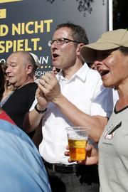 Regierungsrat Urs Hofmann 2012 auf dem Brügglifeld am Spiel Aarau-Sion. (Bild: André Albrecht)