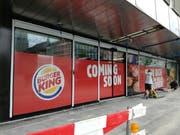 Tatsächlich sehr bald, nämlich am 2. September, wird die Burger-King-Filiale am Bahnhofplatz eröffnet. Whopper-Fans erwarten sie schon mit grosser Ungeduld. (Bild: Marlen Hämmerli - 22. August 2019)