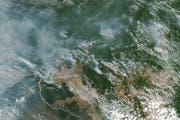 Eine Sattelitenaufnahme zeigt die eindrücklichen Ausmasse der Waldbrände im Amazonasgebiet. (Bild: EPA)