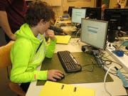 Elektronik und Elektrotechnik in Theorie und Praxis ausprobieren: Das Jugend-Elektronik-Zentrum St.Gallen startet demnächst wieder neue Kurse. (Bild: PD)