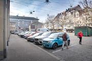 Tempi passati: Parkplätze auf dem Marktplatz. (Bild: Urs Bucher - 27. Dezember 2018)