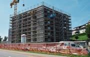 Der Rohbau des Hauses Tanneck der Stiftung Altersbetreuung Herisau steht. Ende 2020 soll der Bau bezugsbereit sein. Bild: PAG