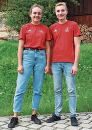 Die Faustball-Nachwuchstalente Bettina und Markus Burtscher. (Bild: Marco Enzler)