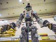 Der humanoide Roboter Fedor soll die Astronauten auf der Internationalen Raumstatin ISS unterstützen. (Foto: Internetseite der Russian State Space Corporation ROSCOSMOS via EPA) (Bild: KEYSTONE/EPA ROSCOSMOS/SPACE CENTER YUZHNY/TSENKI HANDOUT)