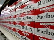 Elefantenhochzeit von Zigarettenherstellern geplant: Der Tabakriese Philip Morris International und der Marlboro-Produzent Altria erwägen einen Zusammenschluss. (Bild: KEYSTONE/AP/GERRY BROOME)