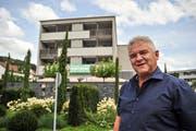 Bauunternehmer Urs Vetter freut sich über den Erfolg seiner Eschliker Überbauung Lindenacker. (Bild: Olaf Kühne)