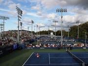 Auf dem Aussenplatz 13 auf verlorenem Posten: Viktorija Golubic scheiterte am US Open in der 1. Runde (Bild: KEYSTONE/EPA/JUSTIN LANE)