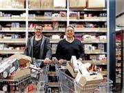 Die Amorana-Gründer Lukas Speiser und Alan Frei beliefern künftig den Onlineshop Brack.ch. (Bild: Brack.ch)